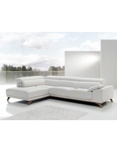 Sofá Bako moderno con patas de madera, USB y elección de telas